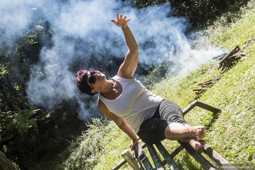 Вдоволь поснимав всякую живность, народ увлекся спецэффектами на фоне дыма..., Последам «Хроник Нарнии» вгорах Кавказа