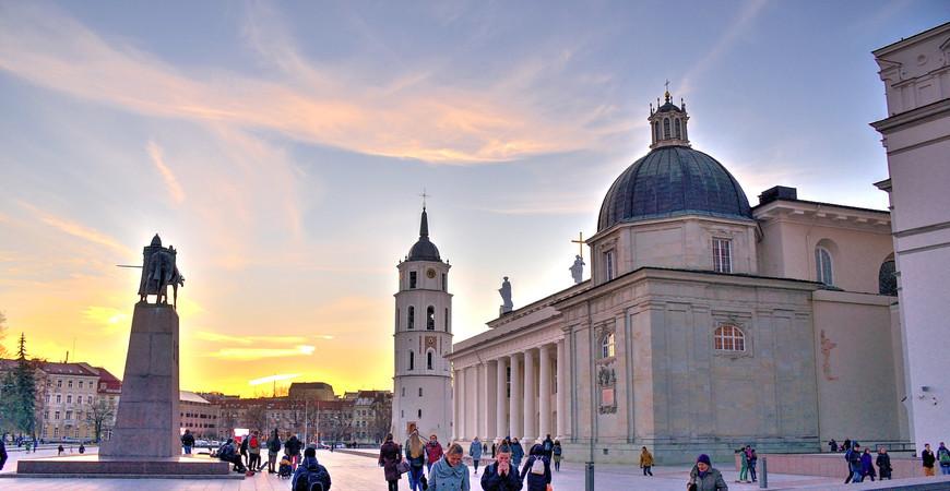Кафедральная площадь в Вильнюсе