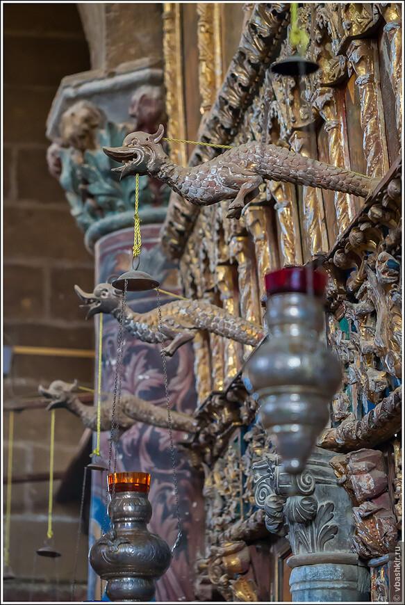 Церковь Айя Мамас. Гюзельюрт (Морфу). Святые дракончики на иконостасе.