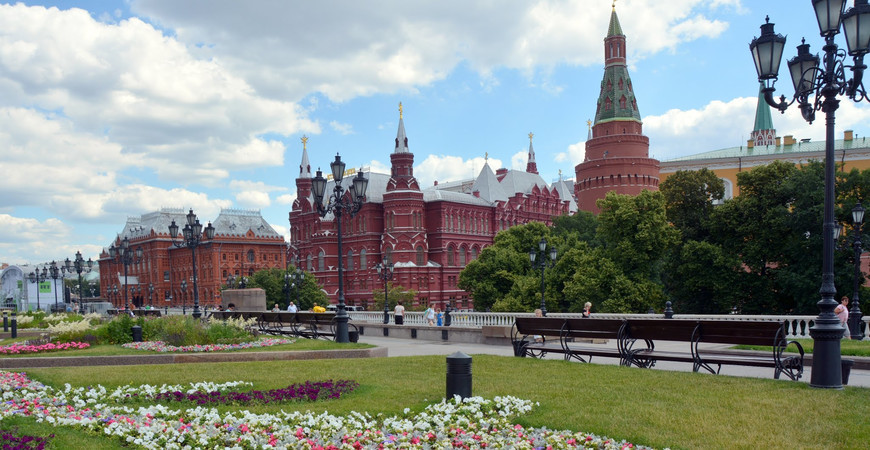 Александровский сад у Кремля