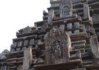 Dinesh Valke Mahadev_Temple,_Tambdi_Surla_(6777412318).jpg
