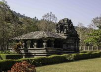 Mahabalaindia Shri_Mahadev_Temple,_Tambdi_Surla,_Goa.jpg