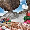 Тараумара живут в пещерах, носят традиционные костюмы и являются лучшими бегунами  в мире
