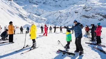 Швейцарские курорты предлагают горнолыжникам акции и скидки