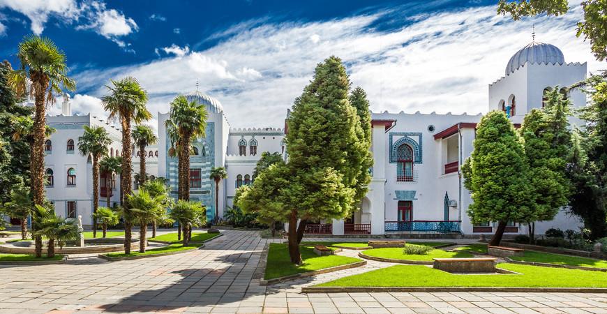 Дворец «Дюльбер» в Крыму