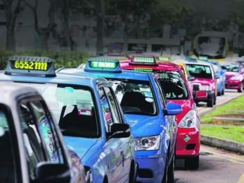В Сингапуре пьяный турист напал на пожилого таксиста