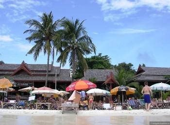 На тайский остров Самет запретили ввозить пластиковые пакеты