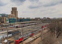 Moscow_Paveletsky_Railway_terminal_platforms_03-2016.jpg