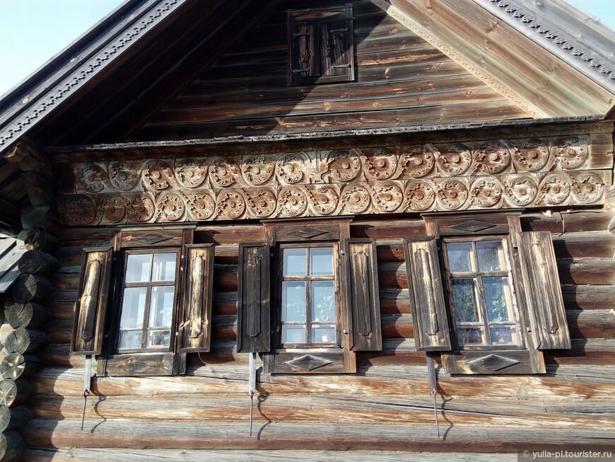 Суздаль. В музей деревянного зодчества привезли  избы из разных сел Суздальского района. Тем самым их сохранив.