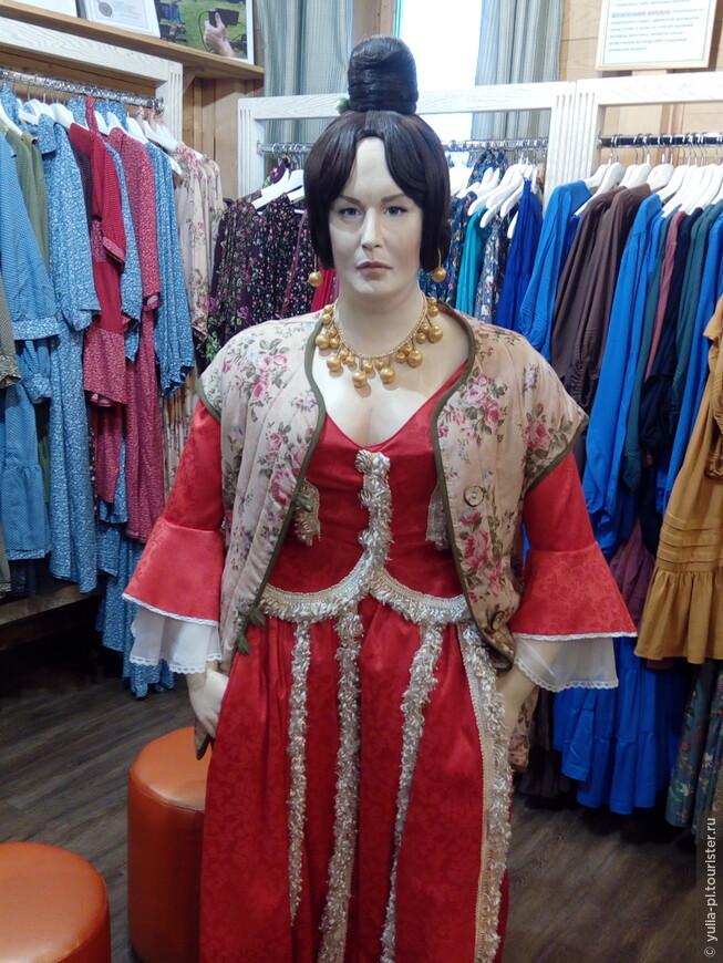 В Суздале в магазине встретили Нону Мордюкову