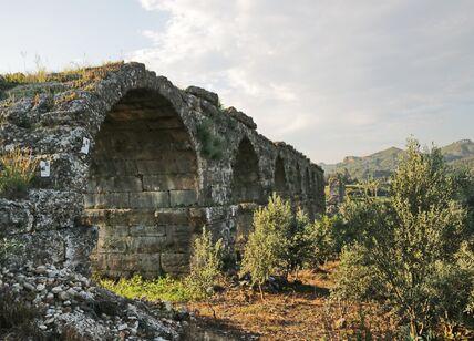Акведук в Сиде (Su kemeri Side)