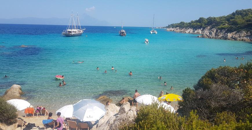 Пляж Сарти в Греции
