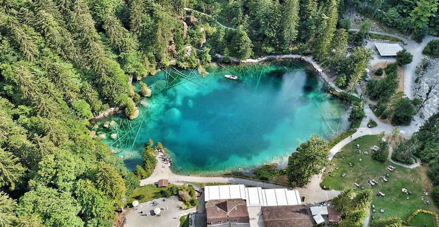Блаузее (Озеро Блау) в Швейцарии