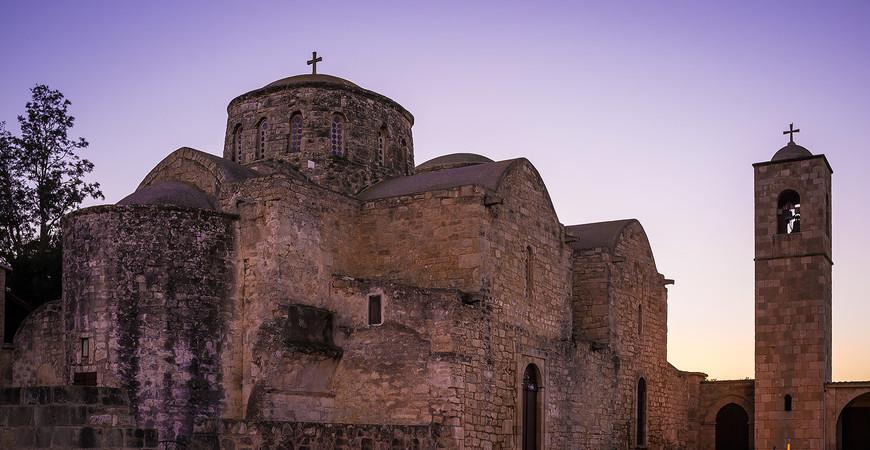 Монастырь Святого Варнавы на Кипре
