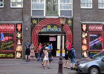 Sex_theater_in_Amsterdam_(red_light_district).jpg