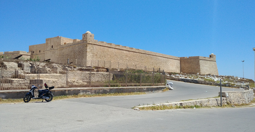 Крепость Бордж-эль-Кебир