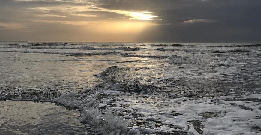 Пляж Кололи (Kololi Beach)