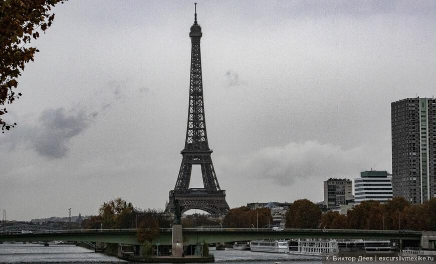 Эйфелева башня и статуя свободы в Париже
