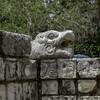 Голова ягуара охраняет платформу. Чичен Ица