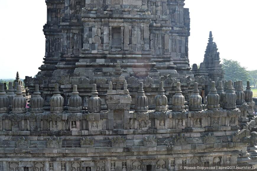 Удивительная кладка, храм будто собран из многочисленных деталек конструктора Lego