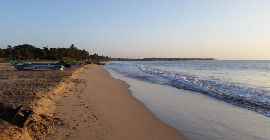 Пляж Уппувели (Uppuveli Beach)