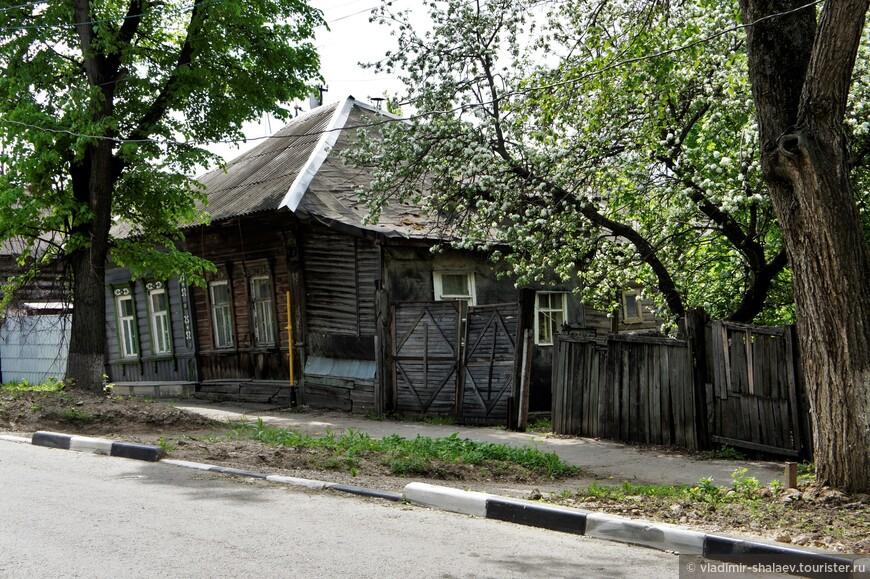 Я прошёлся по улицам Замочная, Гармонная, Плеханова, Чапаева, Шурдукова, Осташева и Пробная.