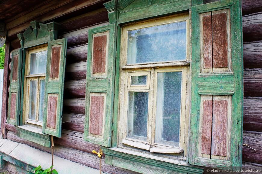 То ли налёт старины, то ли просто окна немытые.