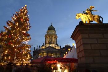 В Берлине усиливают меры безопасности на рождественских ярмарках