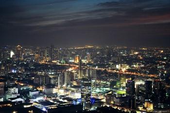 В Бангкоке полицейский расстрелял туриста