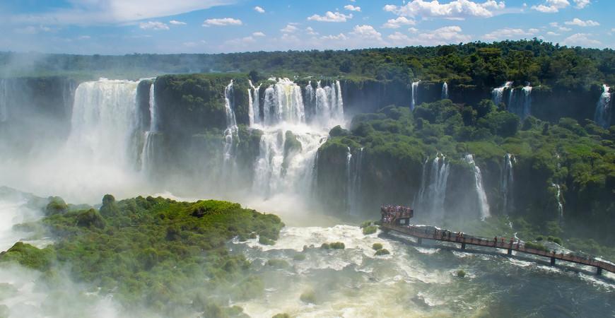 Водопады Игуасу (Национальный парк Игуасу в Бразилии)