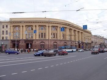 В Петербурге заминировали отель и потребовали выкуп в 20 000 долларов