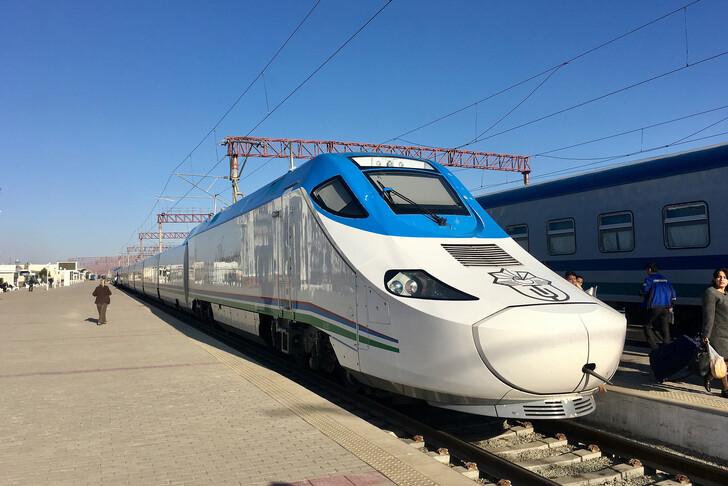 Поезд Ташкент — Самарканд