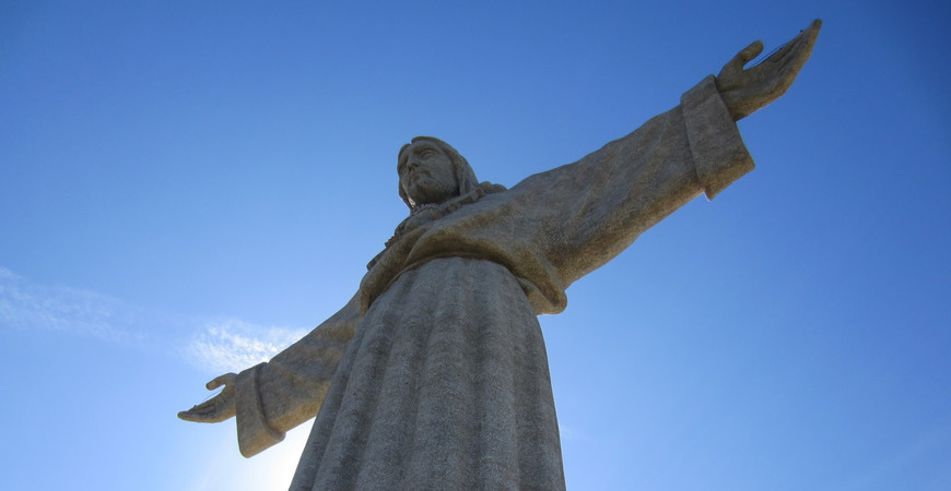 Статуи Христа в Лиссабоне (Cristo Rei)
