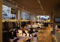 abbigliamento-uomo-donna-accessori-e-bambino-stock-abbigliamento-di-rimanenze-boutique-brand-firmati-matias-milano2.jpg