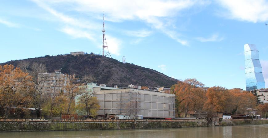 Гора Мтацминда в Тбилиси (Mtatsminda)