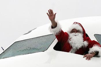 «Победа» бесплатно перевезёт пассажиров в костюмах Деда Мороза и Снегурочки