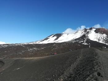 На острове Сицилия активизировался вулкан Этна