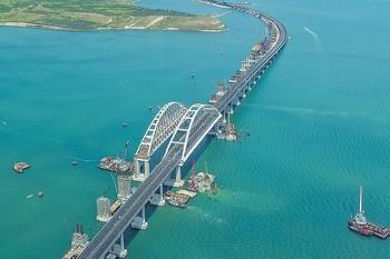 Открытие Крымского моста назвали главным туристическим событием года