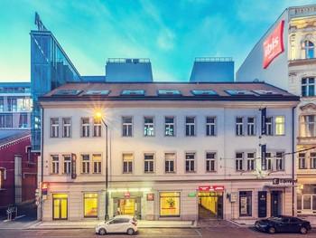 Booking оштрафовали за монополию в Чехии