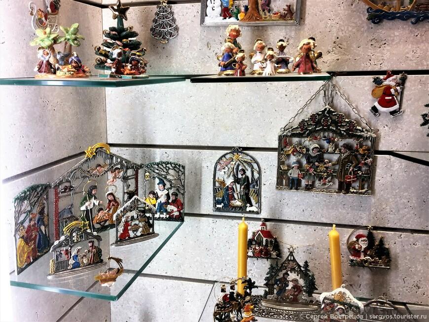 6-7 января ещё много рождественских украшений и символики