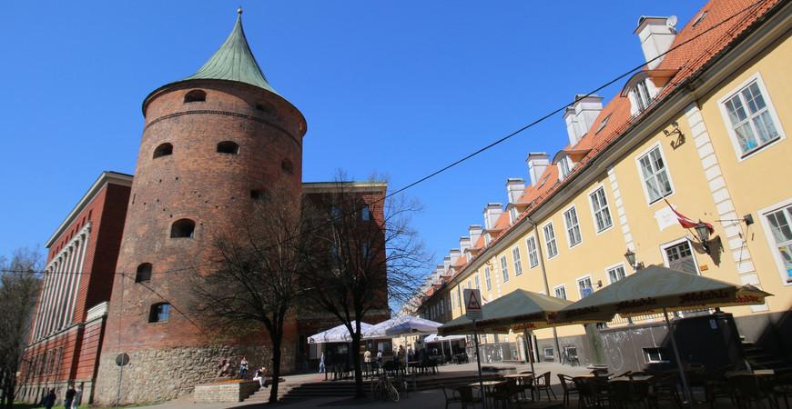Пороховая башня в Риге (Pulvertornis)