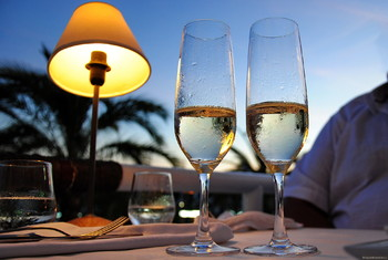 На Балеарских островах туристов не ограничат в алкоголе в 2019 году