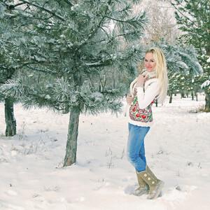 Главное, не забыть запечатлить себя в этой снежной сказке, что простоит в Ростове недолго...