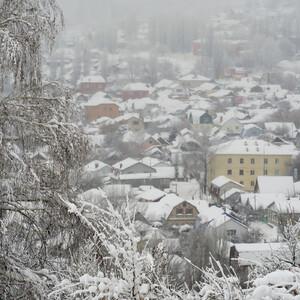 В хорошую погоду со смотровых площадок  можно увидеть весь Саратов, в пасмурную (снежноветренную) только часть.