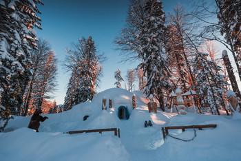 Снежный отель построили в горах Сочи