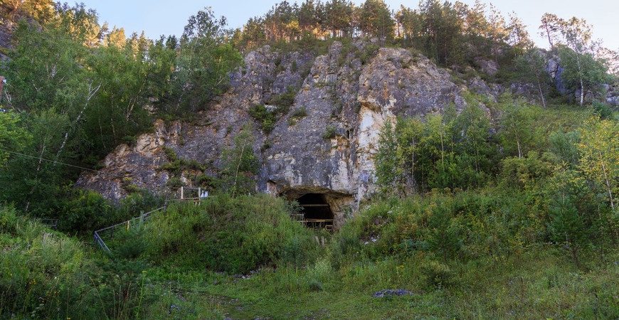 Денисова пещера на Алтае (Денисовская пещера)