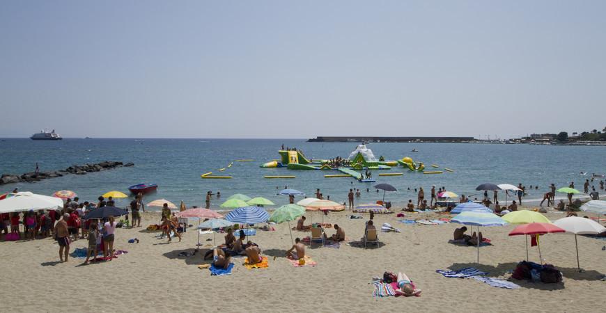 Пляж Джардини-Наксос