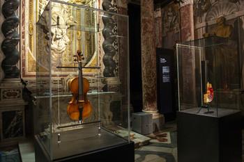 В Генуе проходит интересная выставка, посвященная Паганини и Джими Хендриксу