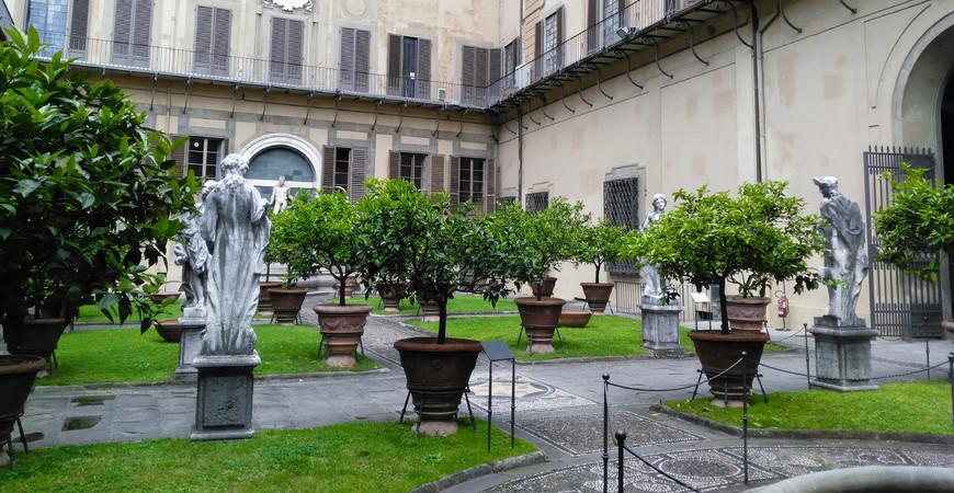 Дворец Медичи Риккарди во Флоренции
