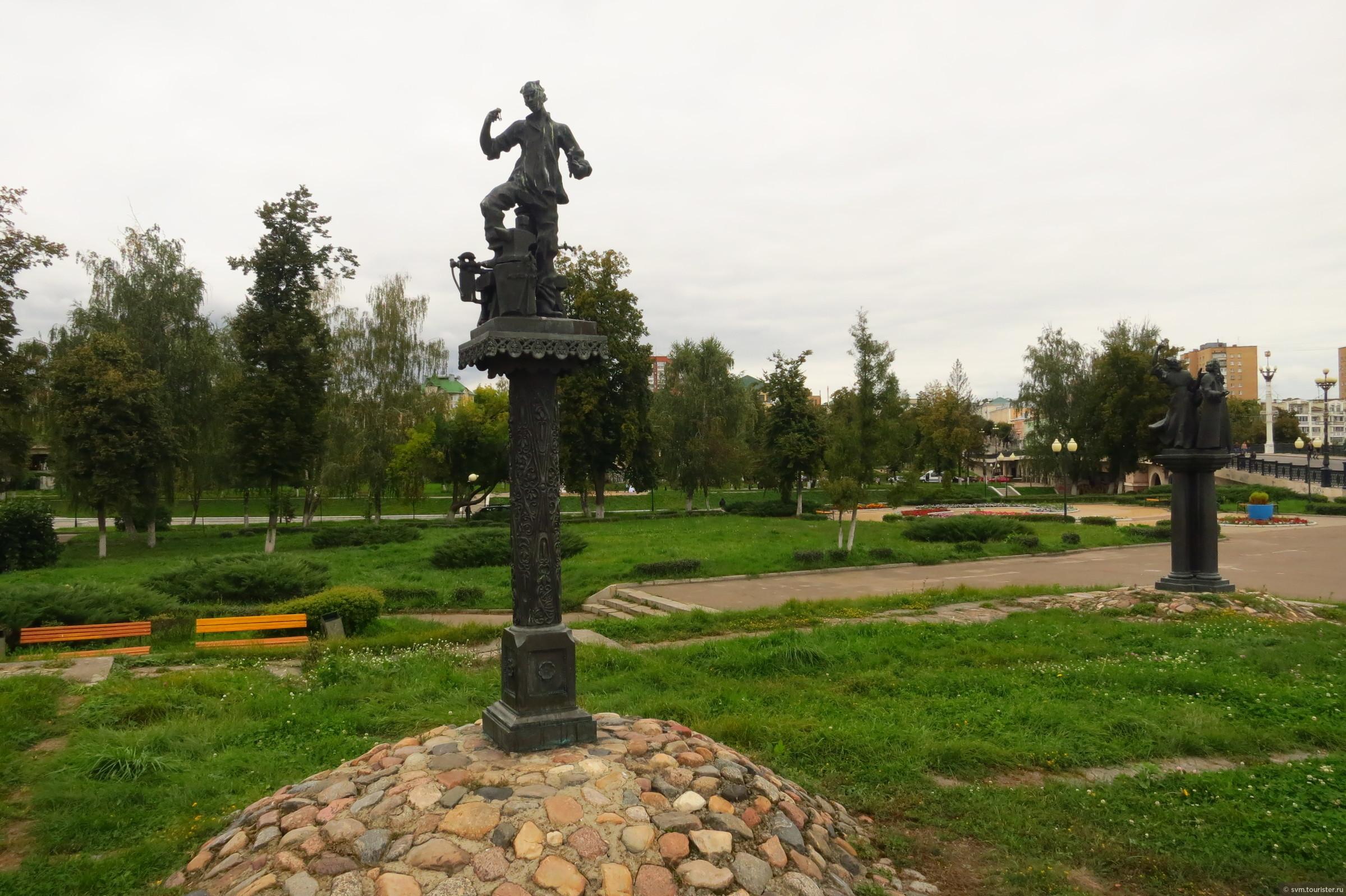 памятник лескову в орле картинка
